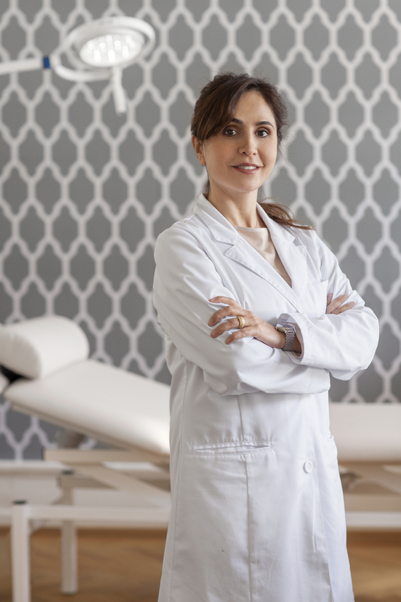 Dr. Mandana Peclard