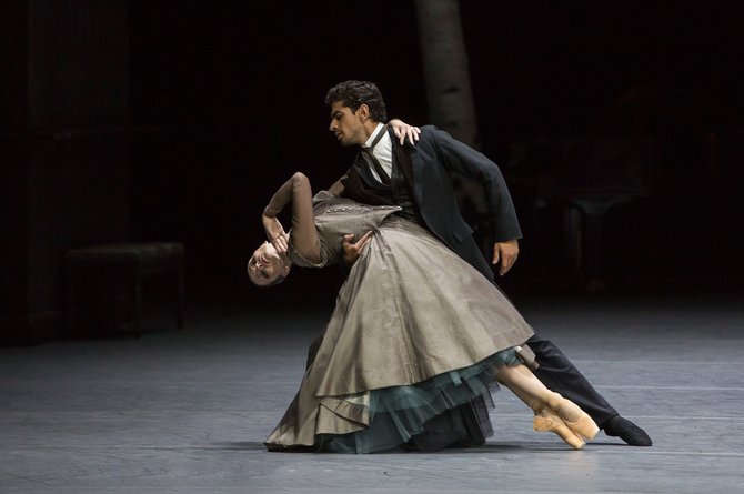 Dolly: Galina Mihaylova, Stiwa: Tigran Mkrtchyan. Photo: Gregory Batardon
