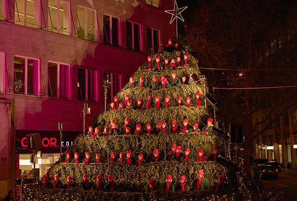 christmas trees singing tree - photo #29
