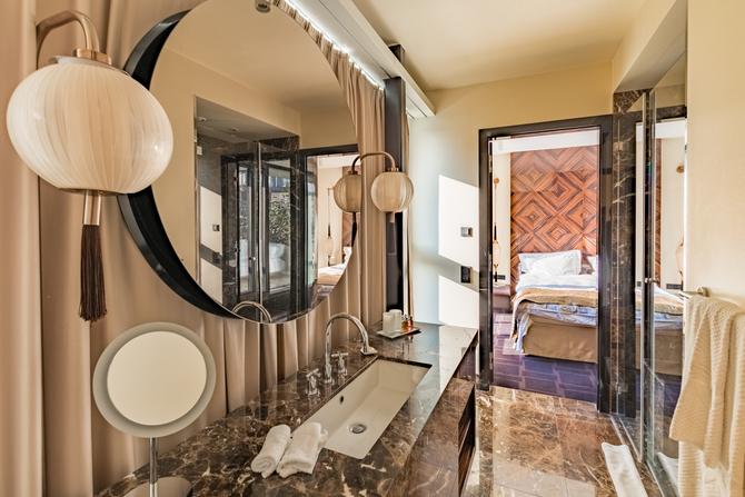 Hotel Lamée bathroom